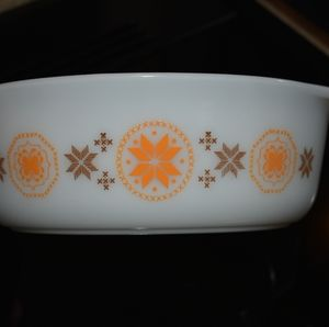 Pyrex Town and Country Casserole Dish